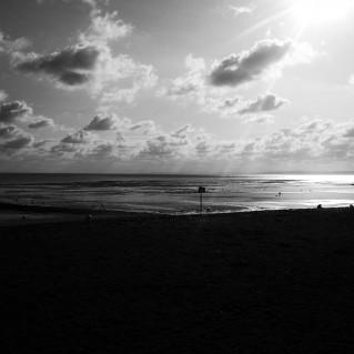 plage lion sur mer cote de nacre
